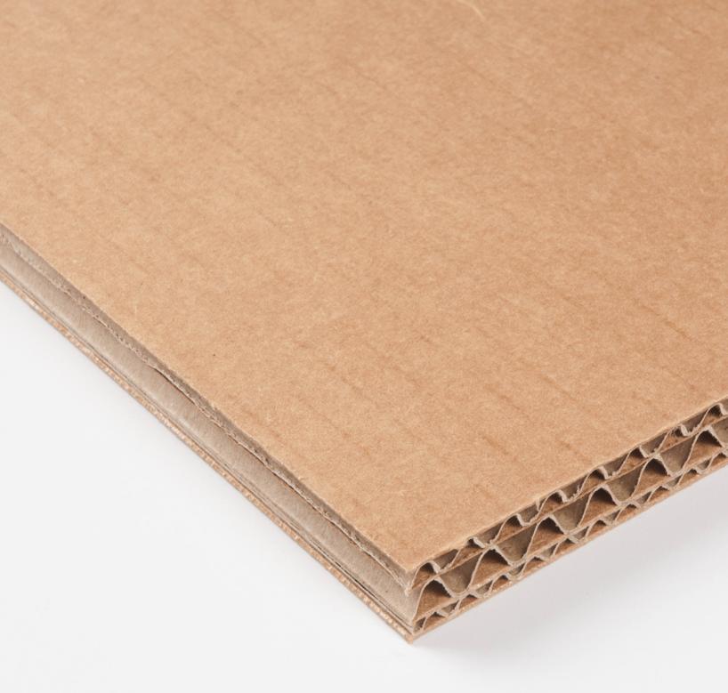 Plancha de cartón para photocall